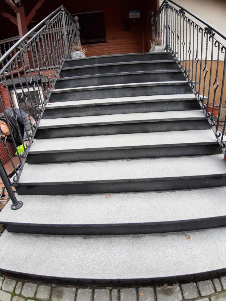 schody g